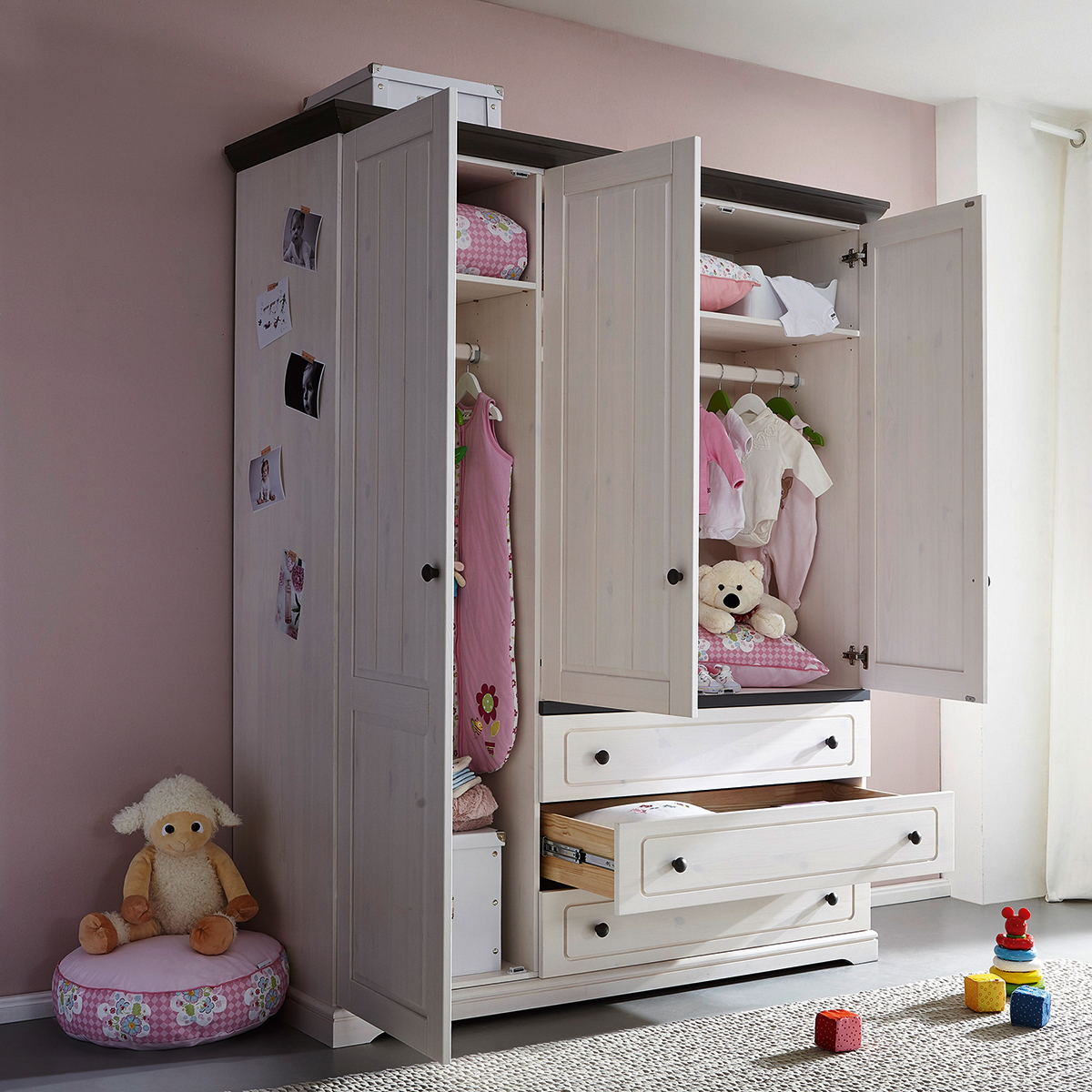 kleiderschr nke baby schlafzimmer kommode dekorieren bettw sche 220x240 cm bettdecken. Black Bedroom Furniture Sets. Home Design Ideas
